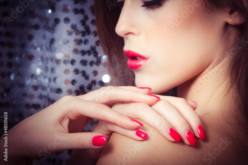 Wallpaper Mural red nails and lips