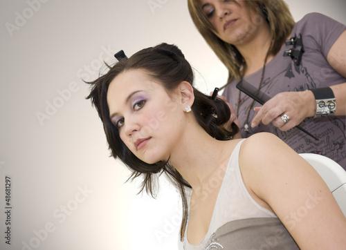 Canvas Print Femme se faisant coiffer