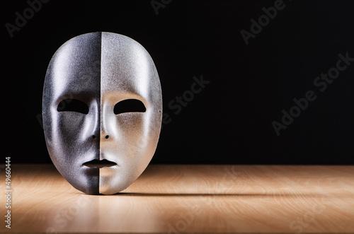 Valokuva Mask against the dark background