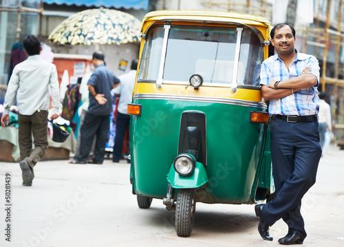 Obraz na plátně Indian auto rickshaw tut-tuk driver man