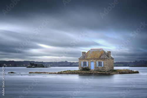 Leinwand Poster Petite maison sur l'eau - Bretagne - France