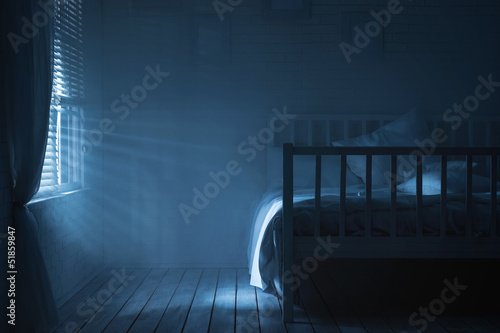 Photo Bedroom with moonlight and smoke