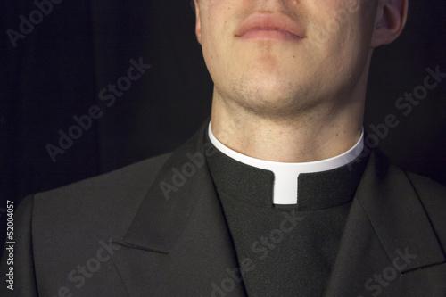 Zbliżenie kołnierzyka kapłana Fototapeta
