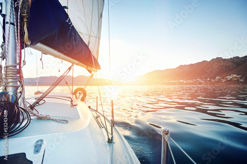 Fotografia sailing yacht ocean boat sunrise