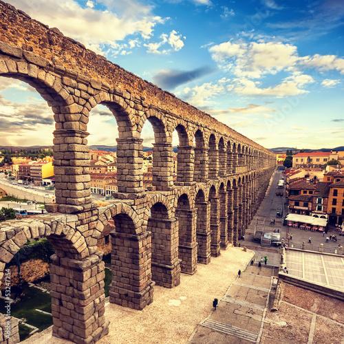 Canvastavla The famous ancient aqueduct in Segovia, Castilla y Leon, Spain