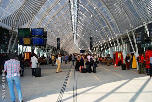 Fotografia Halle de gare ferroviaire moderne