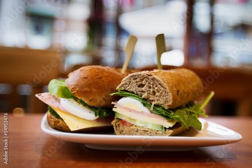 Carta da parati sandwiches with ham and cheese, snack