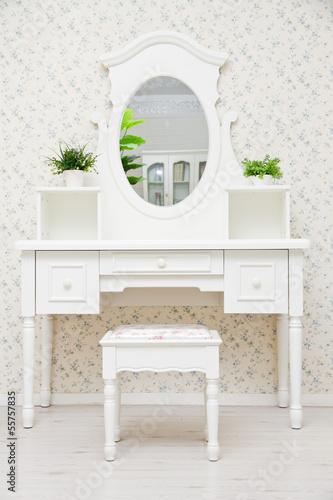 Valokuva A white dressing table, glass mirror