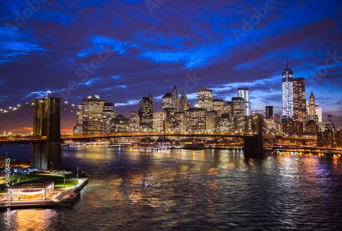 Fototapeta premium Panoramę Nowego Jorku Brooklyn Bridge w centrum miasta