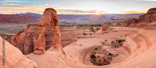 Foto Panorama of Delicate Arch in Arches National Park Utah