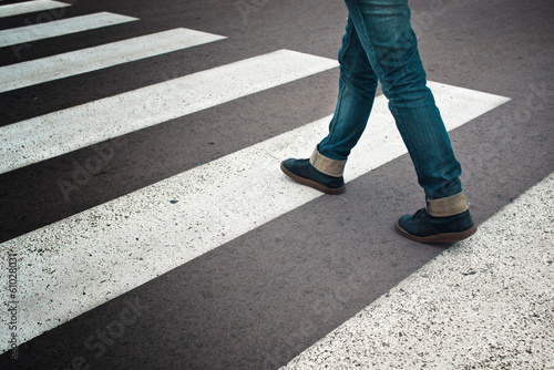 Fotografia, Obraz Woman crossing street
