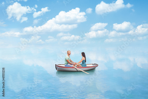 Stampa su Tela young couple in Love on boat