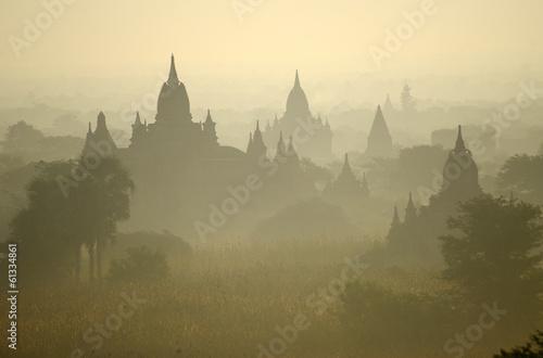 Leinwand Poster Tempel von Bagan am frühen Morgen. Myanmar (Burma).