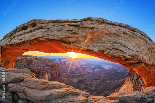 Sunrise at Mesa Arch in Canyonlands National Park Fototapete