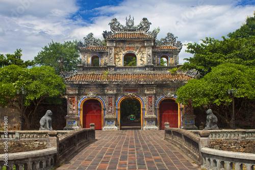 Fotografía Gate to a Citadel in Hue, Vietnam.