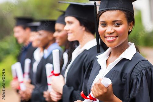 Photo pretty african female college graduate at graduation