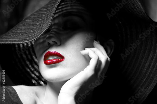 Carta da parati Mysterious woman in black hat. Red lips