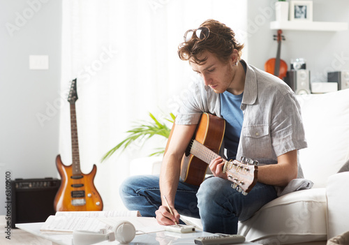Fotografie, Obraz Songwriter composing a song
