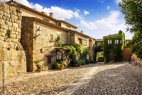 Cuadros en Lienzo Typical street in Peratallada, medieval village,Catalonia, Spain