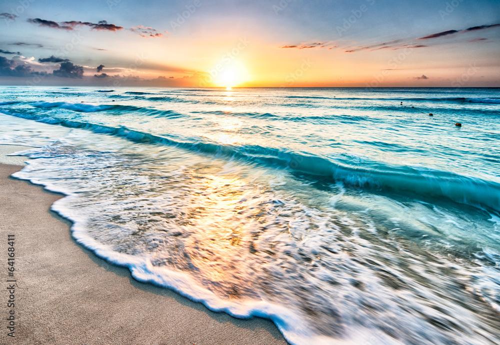 Sunrise over beach in Cancun - obrazy, fototapety, plakaty