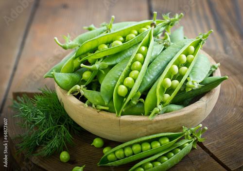 Fotografia Fresh peas in the bowl
