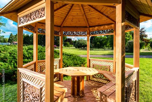 Fotografia, Obraz Inside of wooden gazebo