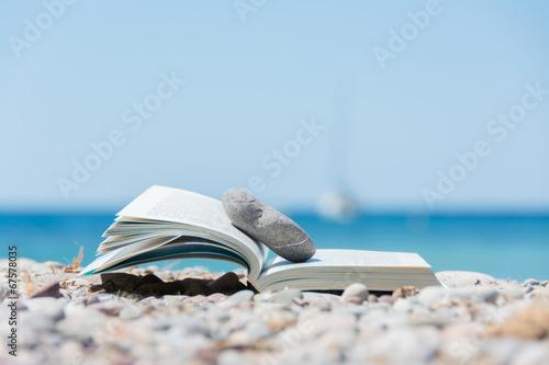 Foto Buch am Strand