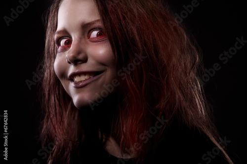 Valokuvatapetti Girl possesst by a demon