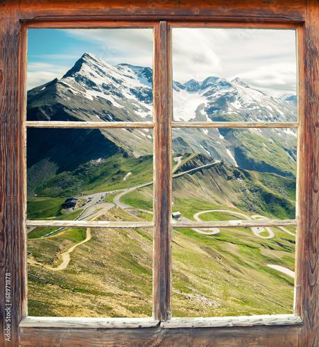 Fototapeta Widok z okna na górę Grossglockner, Austria panoramiczna