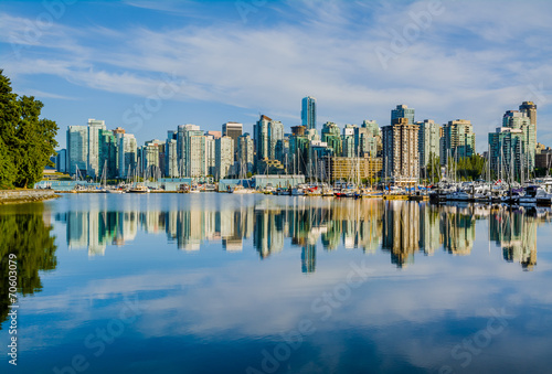 Fototapeta premium Vancouver skyline z portem, Kolumbia Brytyjska, Kanada
