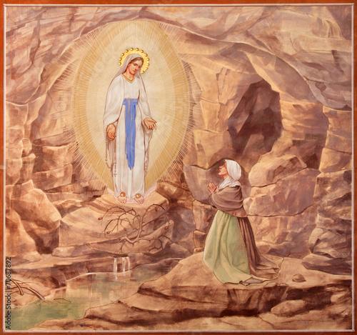 Fotografie, Obraz Padua - The paint of the Apparitioin of Virgin Mary in Lourdes