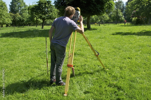 Fotografia Géomètres sur le terrain