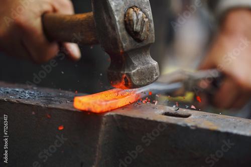 Fotografia Kucie gorącego żelaza