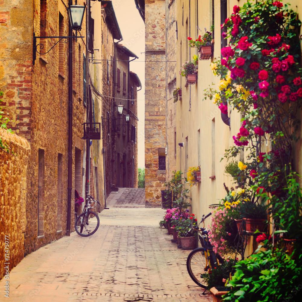 ulica w Pienza <span>plik: #71475077 | autor: Sergey Peterman</span>