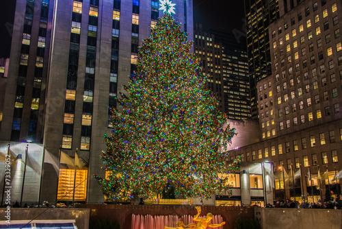 Photo New York - DECEMBER 20, 2013: Christmas Tree at Rockefeller cent