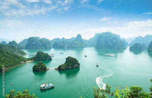 Stampa su Tela Halong Bay in Vietnam. Unesco World Heritage Site.