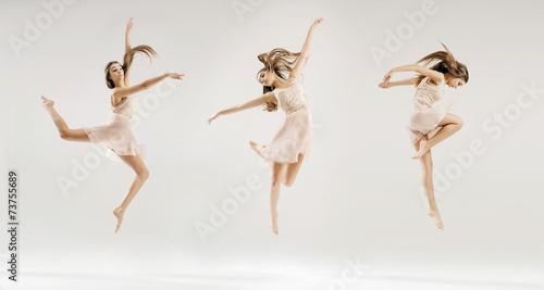 Valokuva Multiple picture of the ballet dancer