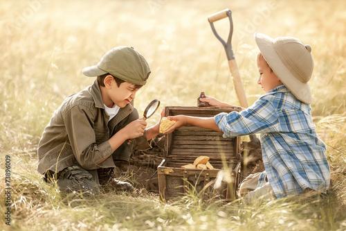 Obraz na plátně Little treasure hunters