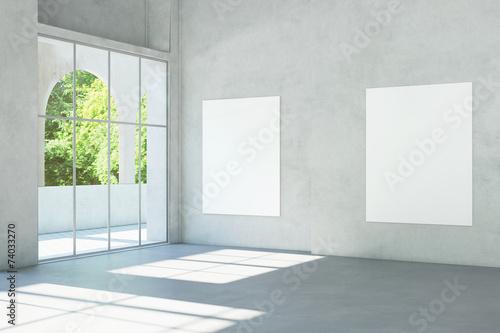 Fotografia Weiße Leinwände an Wand im Museum