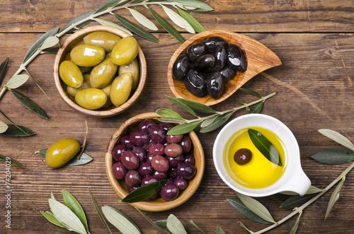olio e olive assortite