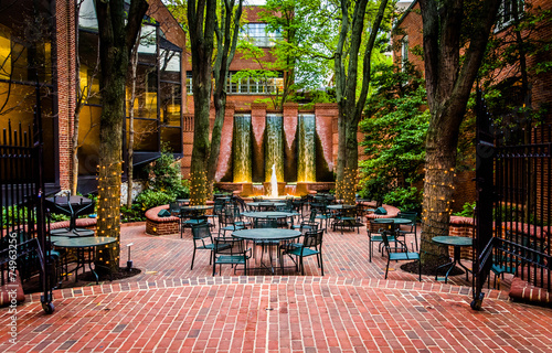 Photo Fountains and outdoor dining area in downtown Lancaster, Pennsyl