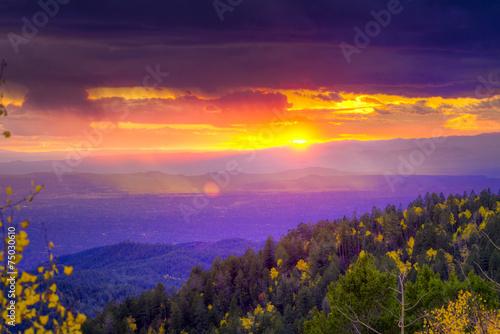 Fototapeta premium Zachód słońca w Santa Fe Ski Basin