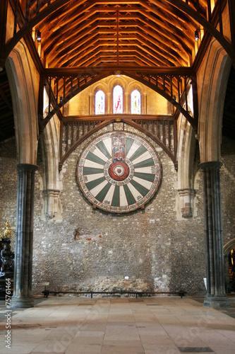 Fotografie, Obraz Kulatý stůl krále Artuše na zdi chrámu v Winchester Anglie U