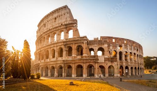 Fotografia Colosseum at sunrise, Rome