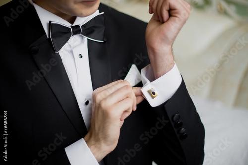 Fototapeta Muži nosí košili a manžetové knoflíčky