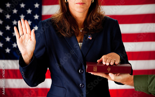 Canvas Print Politician: Woman Taking an Oath on the Bible