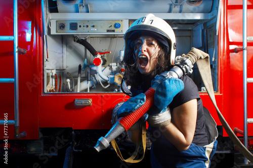 Valokuvatapetti firewoman