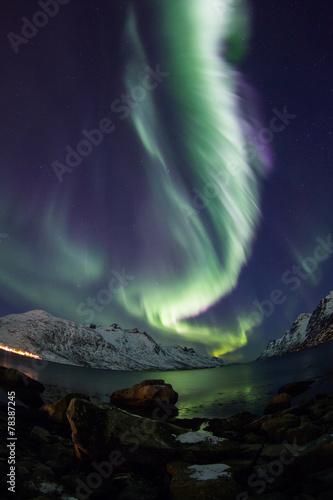 Canvas Print Aurora Borealis reflected between fjords in Tromso