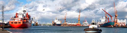 Fotografia Hafenpanorama mit Schlepper