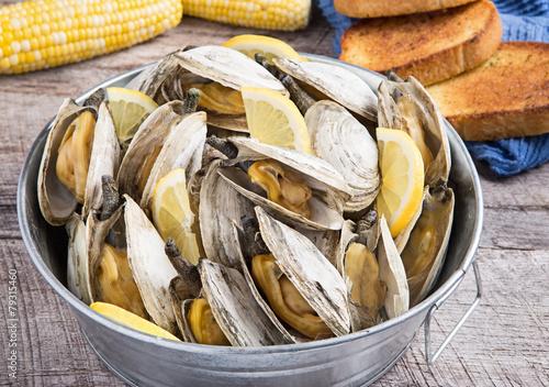 Fényképezés Bucket of steamed clams